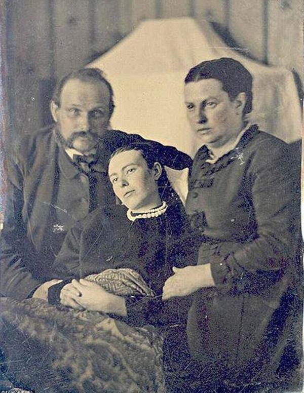 post-mortem-photo