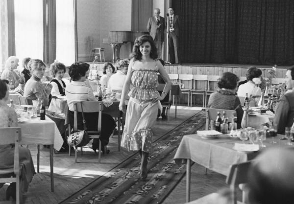 Divatbemutato_1981-ben