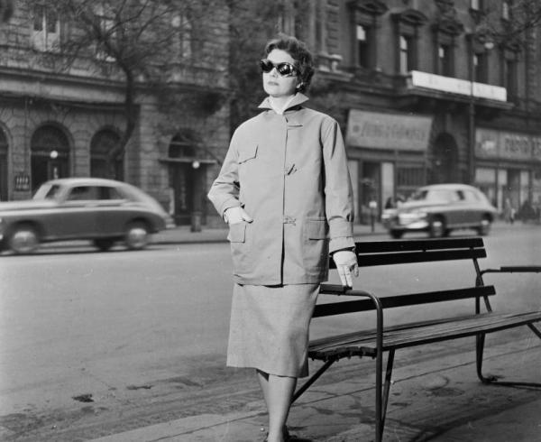 Divatfoto_1957-bol_az_Andrassy_uton_akkor_Nepkoztarsasag_utja