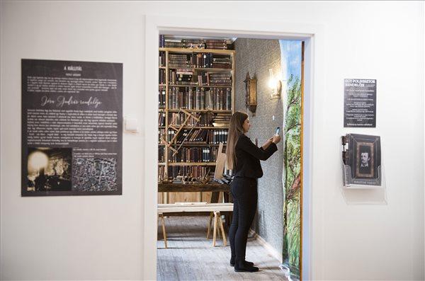 150_eves_a_Josa_Andras_Muzeum