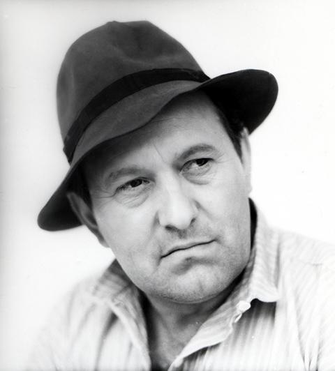 Bessenyei_Ferenc_kalappal
