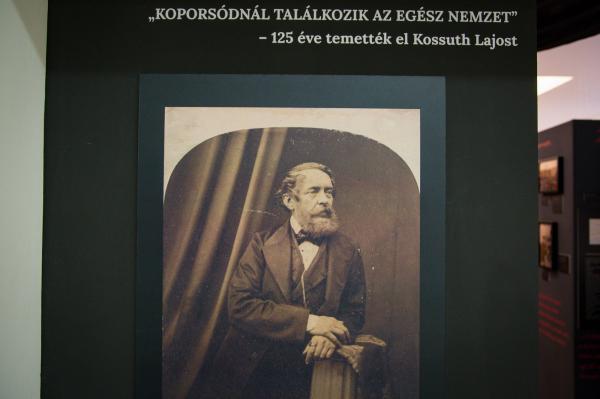 Kossuth-kiallitas_2