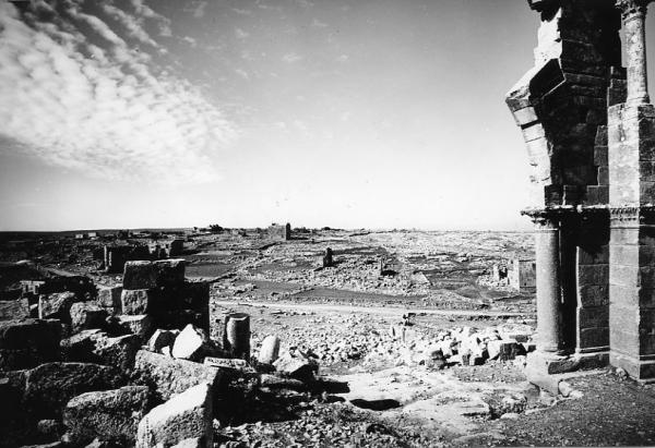 Oszlopos_Simeon_temploma_Qalat_Siman_Sziria_1962_