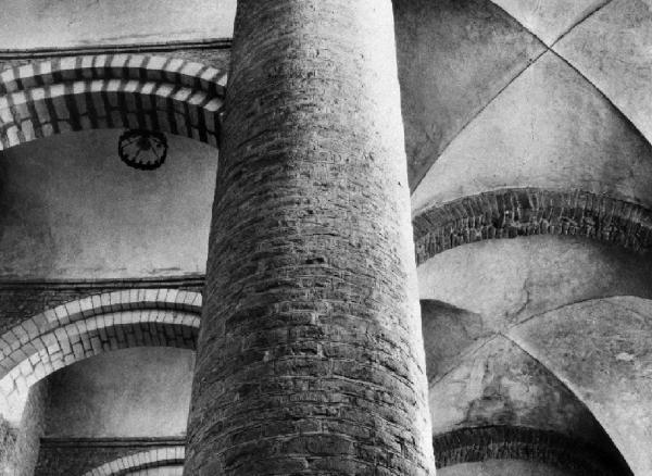 Saint-Philibert_apatsagi_templom_Tournus_1953__Lucien_Herve