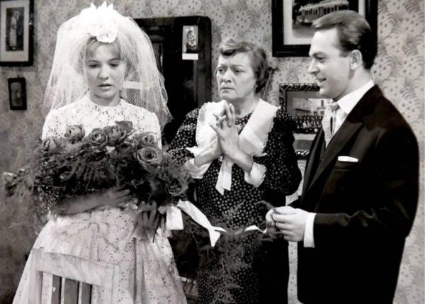 torocsik_mari_kiss_manyi_bodrogi_gyula__hazassagbol_elegseges-1961