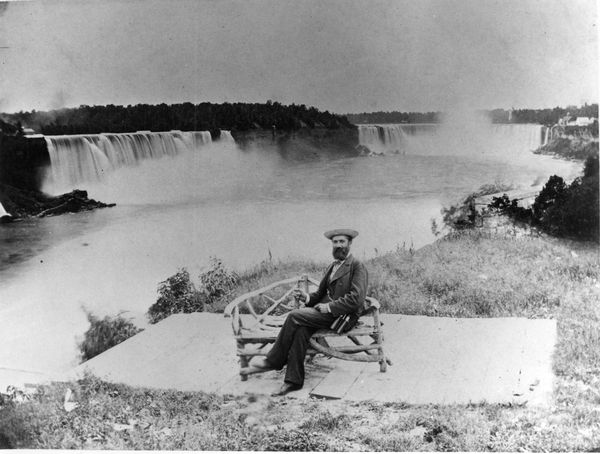 Hopp_Ferenc_a_Niagara_vizesesnel