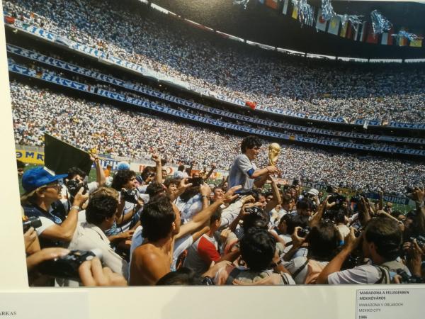 Maradona__a_fellegekben