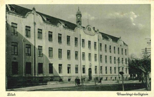A_kollegium_uj_epulete_1903-ban