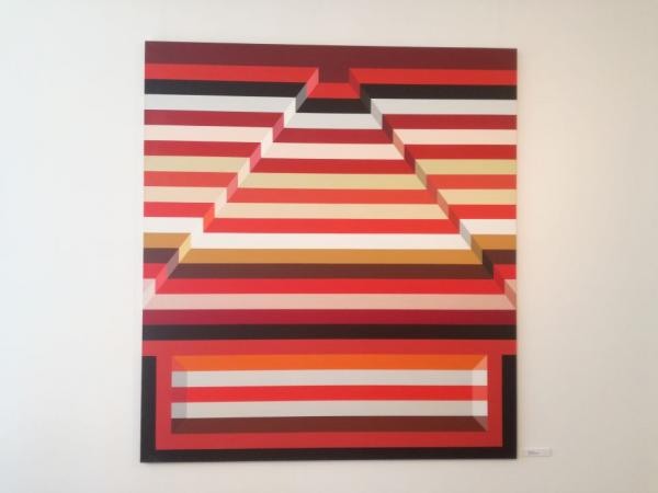 Konok_Csikos_piros_piramis