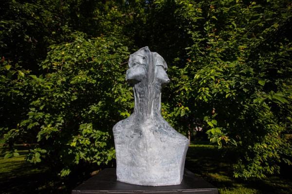 szobrok_a_kertben_4