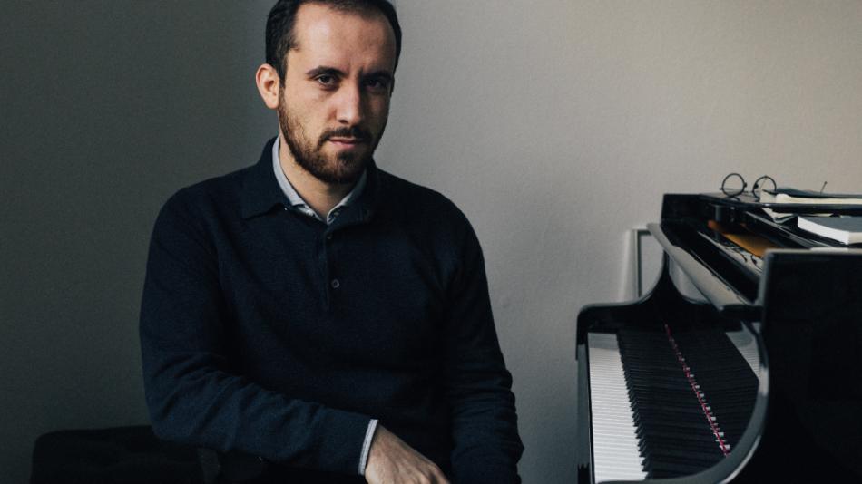 A holokauszt túlélőinek szenteli szerdai online házikoncertjét Igor Levit zongoraművész